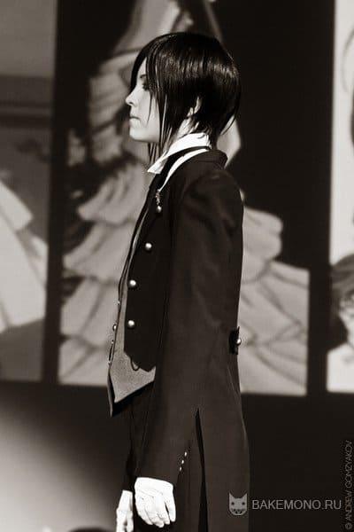 Черного-белое фото дворецкого