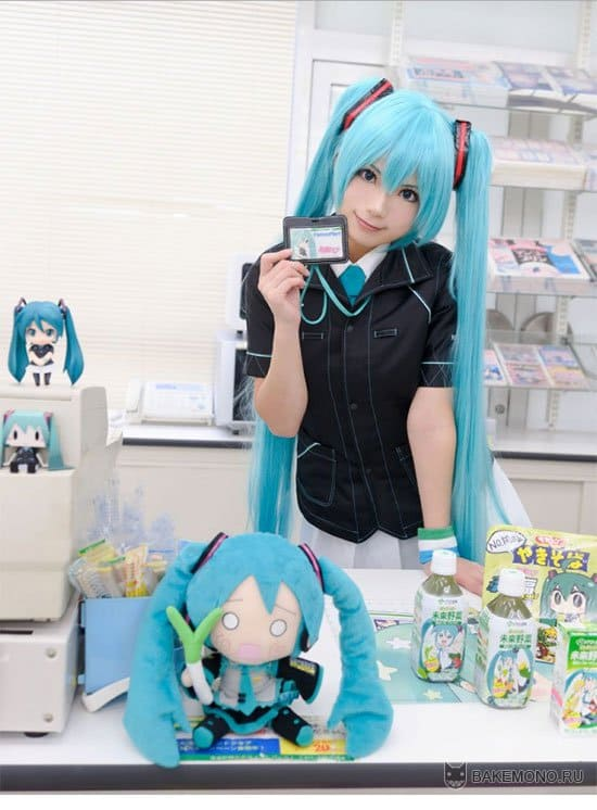 Косплей продавца Хатсунэ Мику